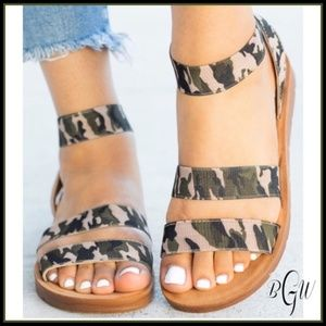 Shoes - Forever Comfort Green Camo Sandals